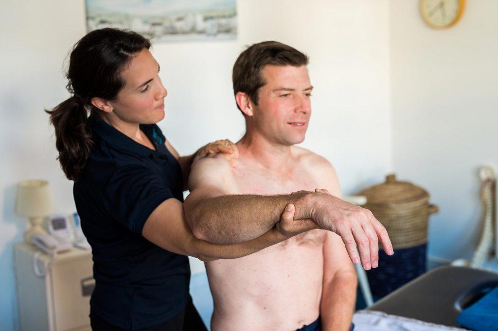 Meadowside Osteopathy - Farnham, Surrey - elbow pain treatment image