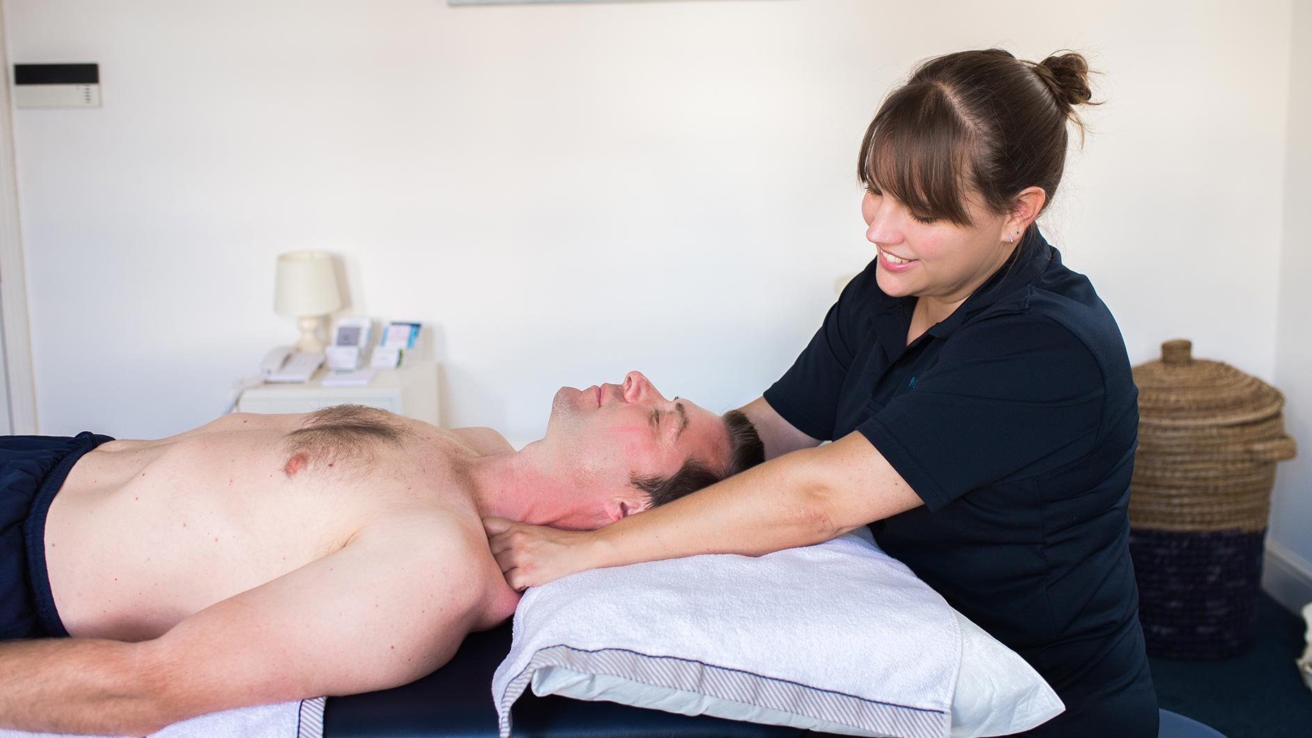 Meadowside Osteopathy - Farnham, Surrey - Neck Pain and Upper Back Pain Treatments